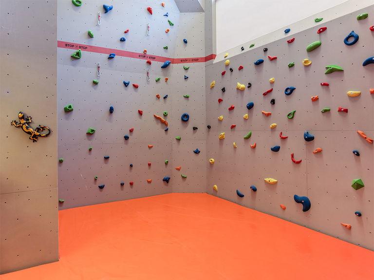 Lizum 1600 climbing wall